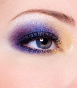 olhos-roxos-bela-center