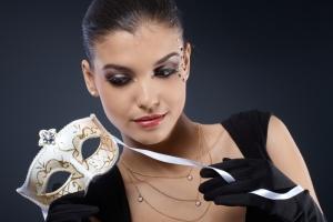 maquiagem-carnaval-olhos-pretos-linda-bela-center