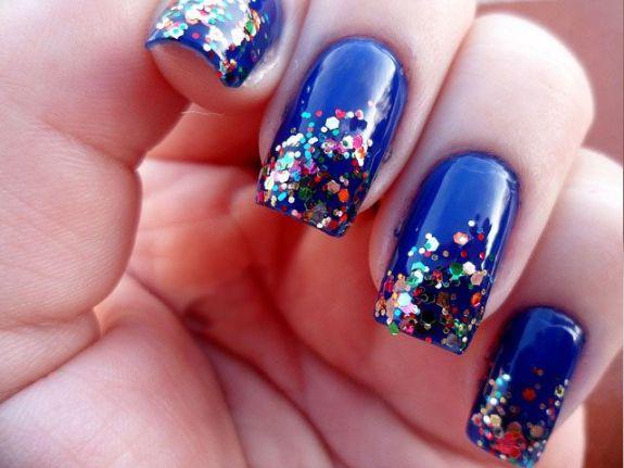 unhas-glitter-azul-bela-center