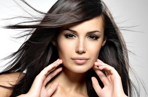 shampoo-cabelo-colorido-morena-linda-bela-center