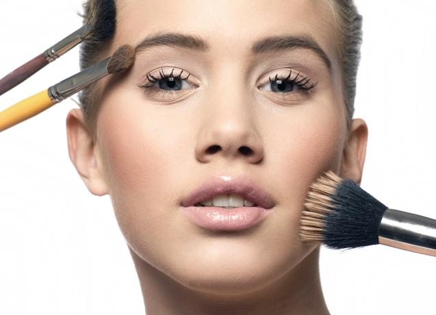 maquiagem-sombra-marrom-bela-center