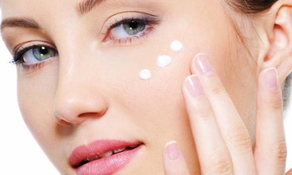 maquiagem-jovem-facial-bela-center